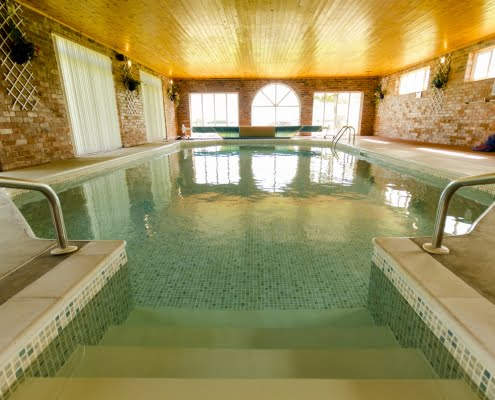 Private use swimming pool - Autistic specialist holidays